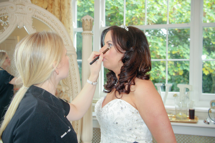 - Make Me Bridal Artist: Hannah Makeup . #glowingskin #naturalweddingmakeup