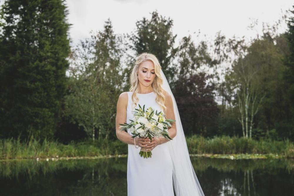 Beautiful modern bridal makeup style - Make Me Bridal Artist: Jenna Dale Makeup Artist. Photography by: Jon Thorne. #elegantmakeup #beautifulbridalmakeup #modernbride #polished