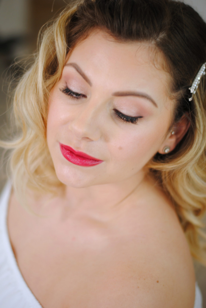 A modern twist on a red carpet look. Classic red lips. - Make Me Bridal Artist: Jenna Dale Makeup Artist. Photography by: Jenna Dale. #vintage #oldhollywood #hollywoodglamour
