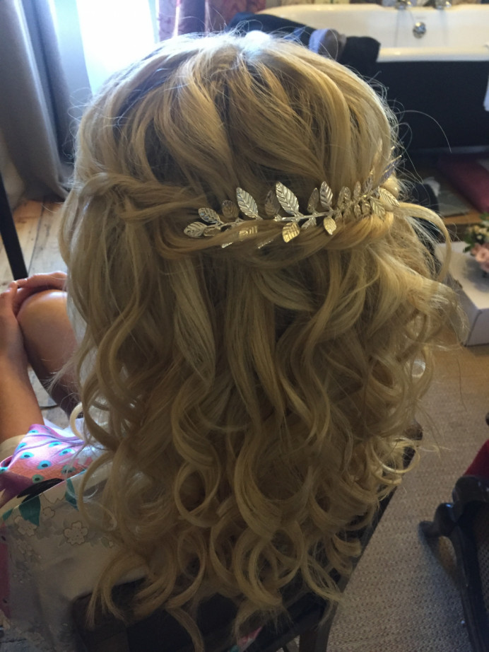Half up down hair style, loose curls and twiste - Make Me Bridal Artist: Lolo & Co.. #bohemian