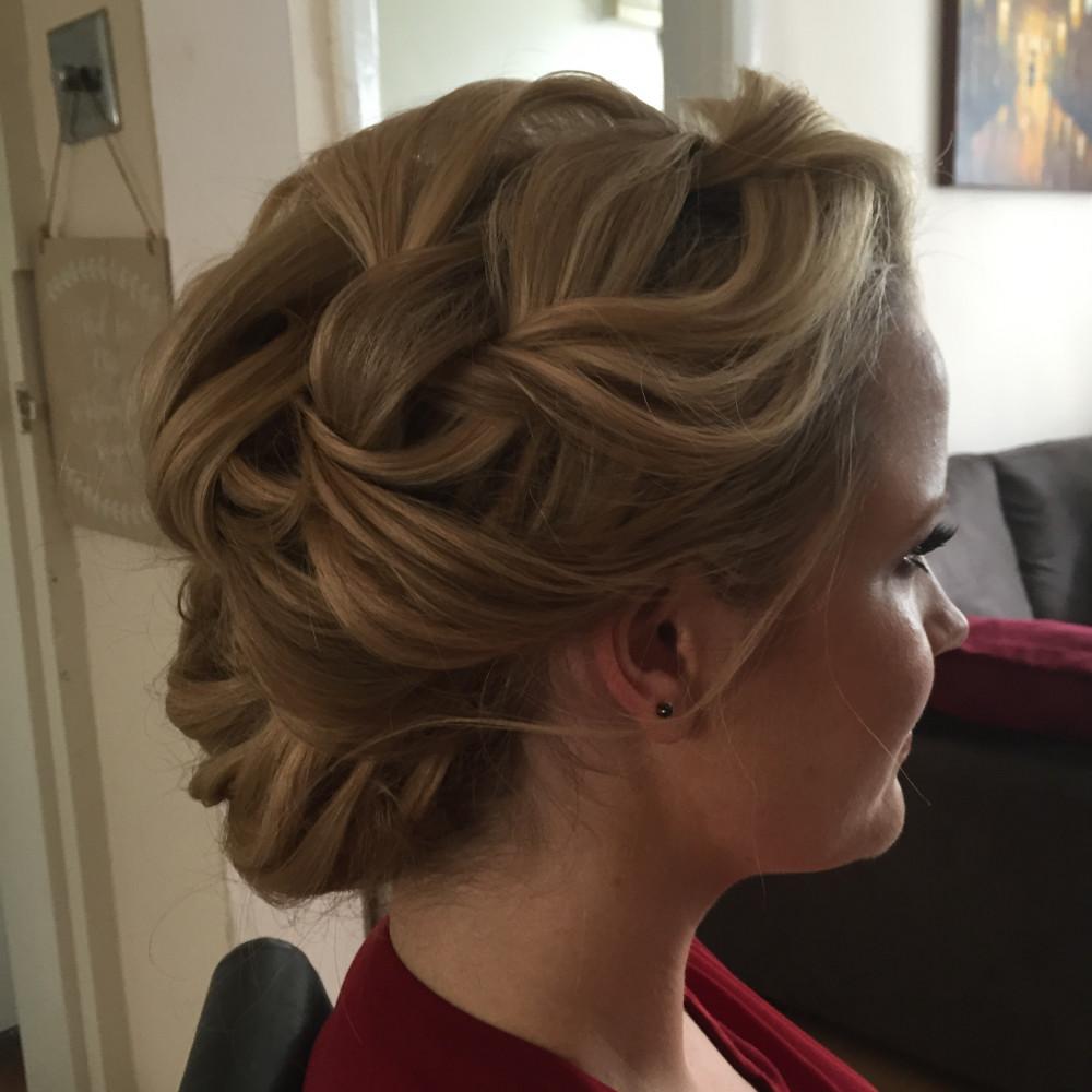 - Make Me Bridal Artist: Lolo & Co.. #hairupvintage