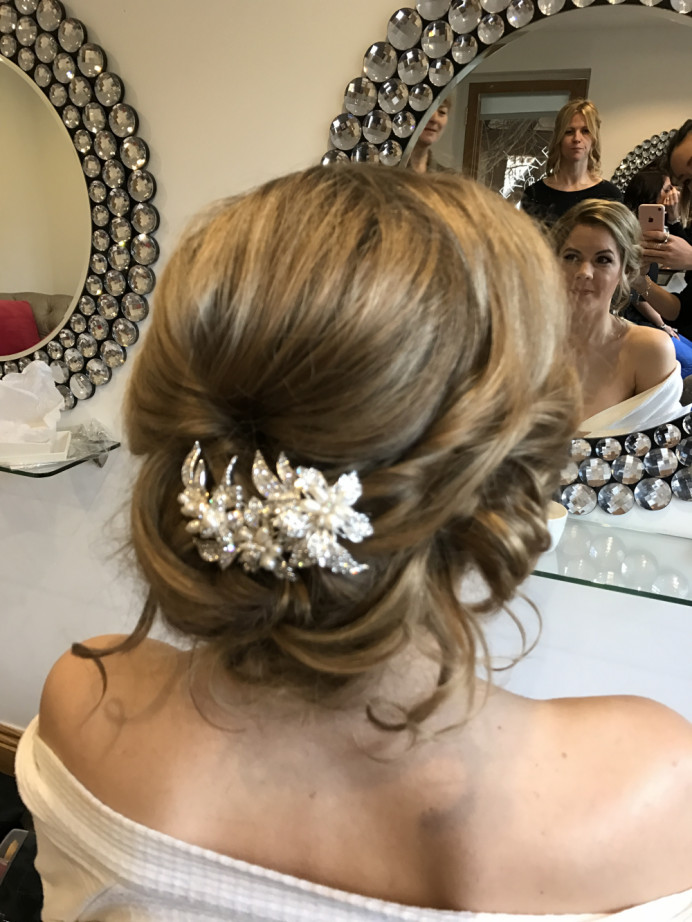 - Make Me Bridal Artist: Lolo & Co.. #bridalhairstylist #hairup