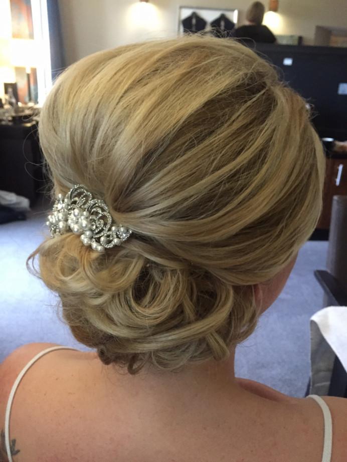 - Make Me Bridal Artist: Lolo & Co.. #bridalhair #tousled #romantichairup