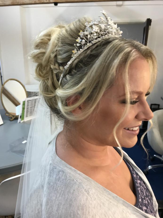 - Make Me Bridal Artist: Lolo & Co.. #blonde #bridalmakeup #bridalhair