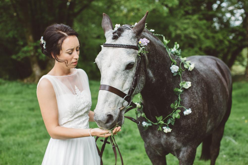 - Make Me Bridal Artist: Justine Olver - Wedding Make up Artist. Photography by: Sand in my Pockets. #naturalmakeup