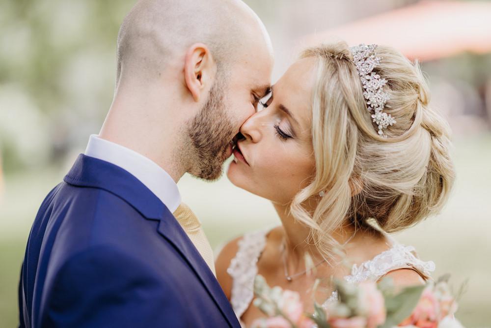 - Make Me Bridal Artist: Justine Olver - Wedding Make up Artist. Photography by: David J Prior. #naturalmakeup