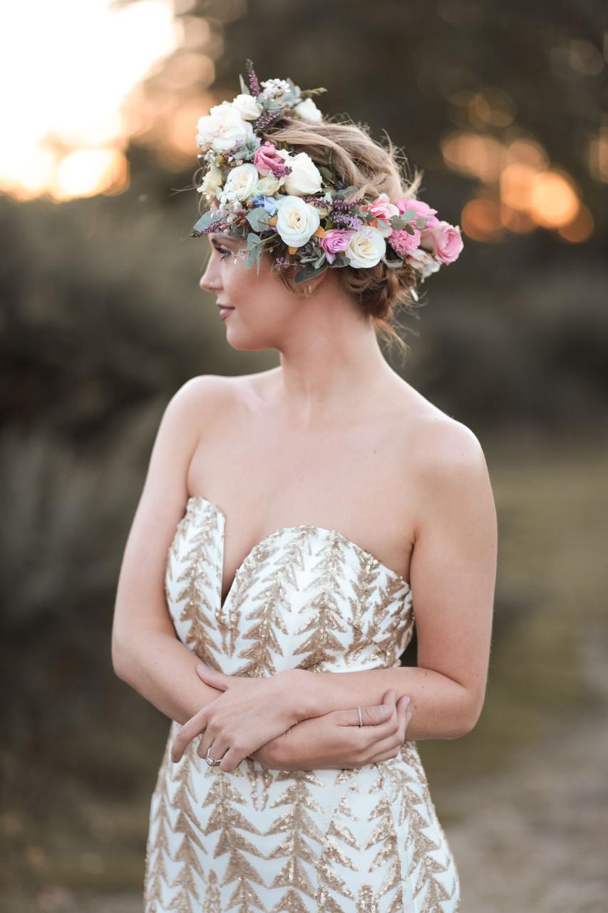 Gorgeous floral hair crown - Make Me Bridal Artist: Wild Rose Hair . Photography by: Rebecca Searle . #bohemian #boho #flowercrown