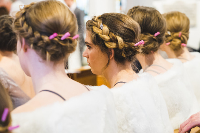 - Make Me Bridal Artist: Bridal Hairstylist Moira Borg. Photography by: Yasmine. #flowercrown