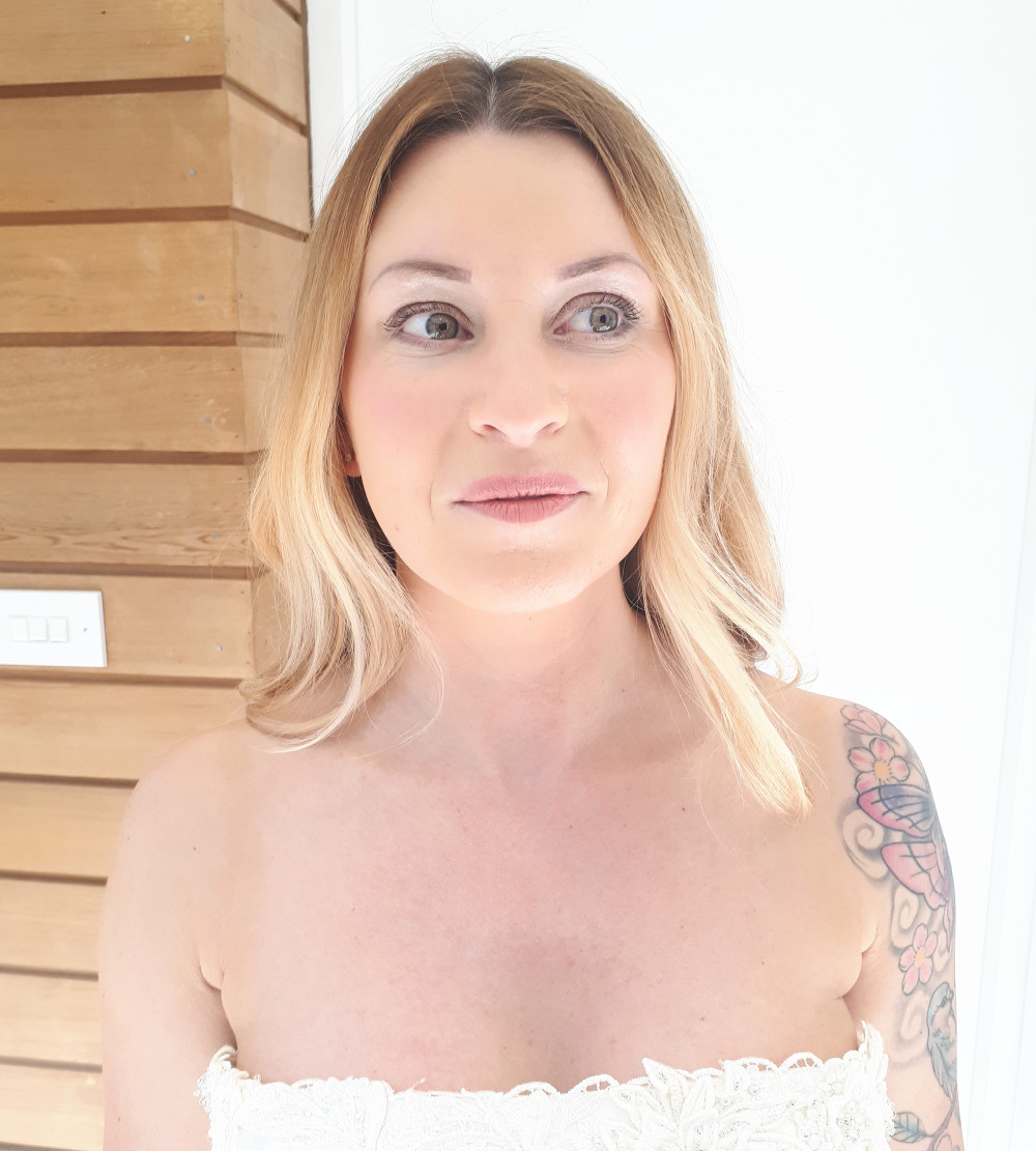 - Make Me Bridal Artist: Sammy Jo The Beauty Box. #naturalmakeup #weddingmorning #blonde