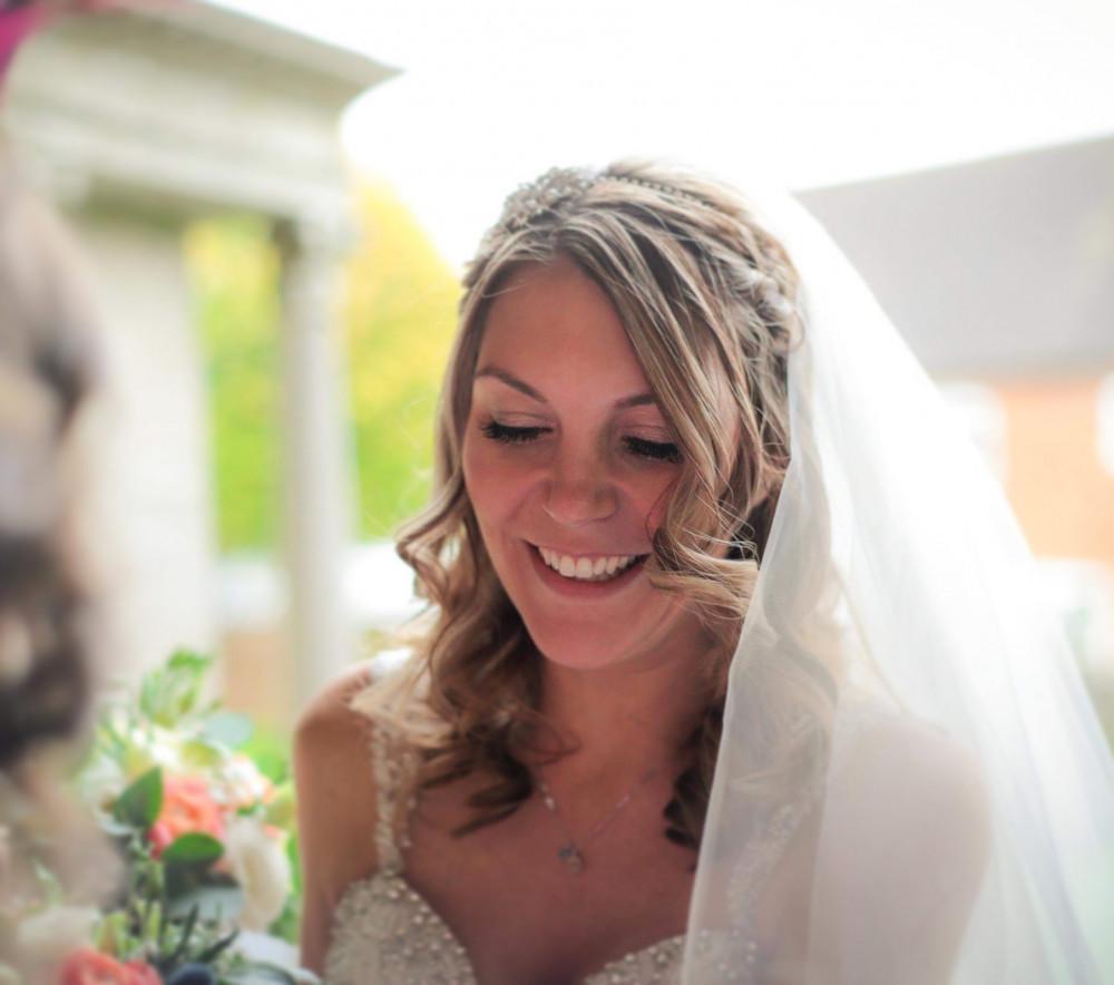 - Make Me Bridal Artist: Sammy Jo The Beauty Box. Photography by: Just Jodie Photography. #bridalmakeup #soft #goldeyeshadow