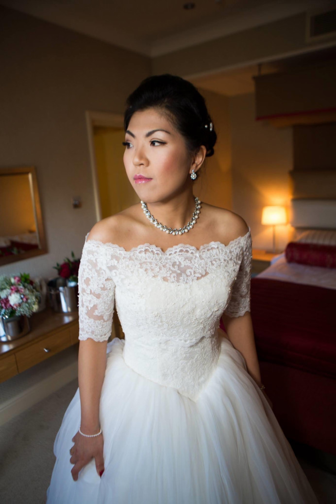 Classic bridal hair and makeup under our Sparkle Package - Make Me Bridal Artist: CJ Beauty & Co. #classic #bohemian #vintage #glamorous #chinesebridalmakeup #chinesebride #asianbride #sequelwedding