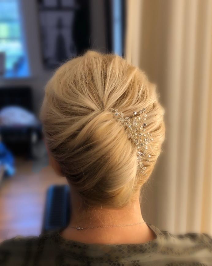 Classic French Pleat (Diamond Team) - Make Me Bridal Artist: CJ Beauty & Co. #classic #vintage #motherofthebride #frenchpleat #modernfrenchpleat #motherofthegroom #simplehairup #blondehair #wearingahat #motherofthebridehair