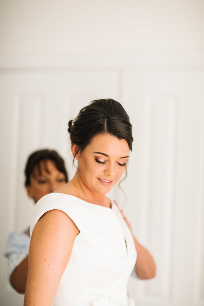 Natural flawless hair and makeup by @CJ (CJ's Directors Package) - Make Me Bridal Artist: CJ Beauty & Co. #classic #bridalmakeup #bridalhairandmakeup #naturalmakeup #forthenaturalbride #peachy #naturalbride