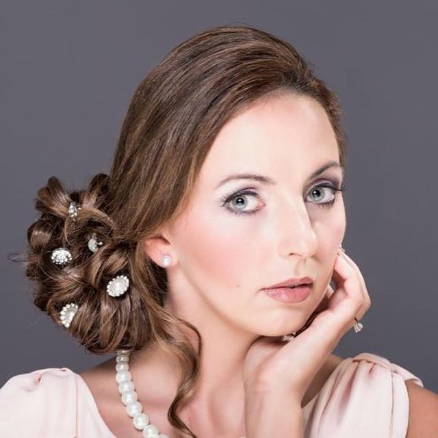 Elegant side up-do - Make Me Bridal Artist: Beckie Welfare Hair & Makeup. Photography by: Pixel Trap.