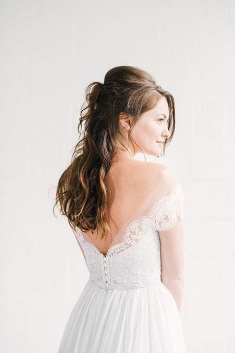 Naomi Neoh's Celestial 2018 Collection - Make Me Bridal Artist: Love your hair Cassandra . Photography by: Hannah Duffy . #glamorous #halfuphair #curls #bridalhair #elegant #romantichairup #hairup #bridalhair #bridalhairstylist #wavyhair #bride #weddinghair