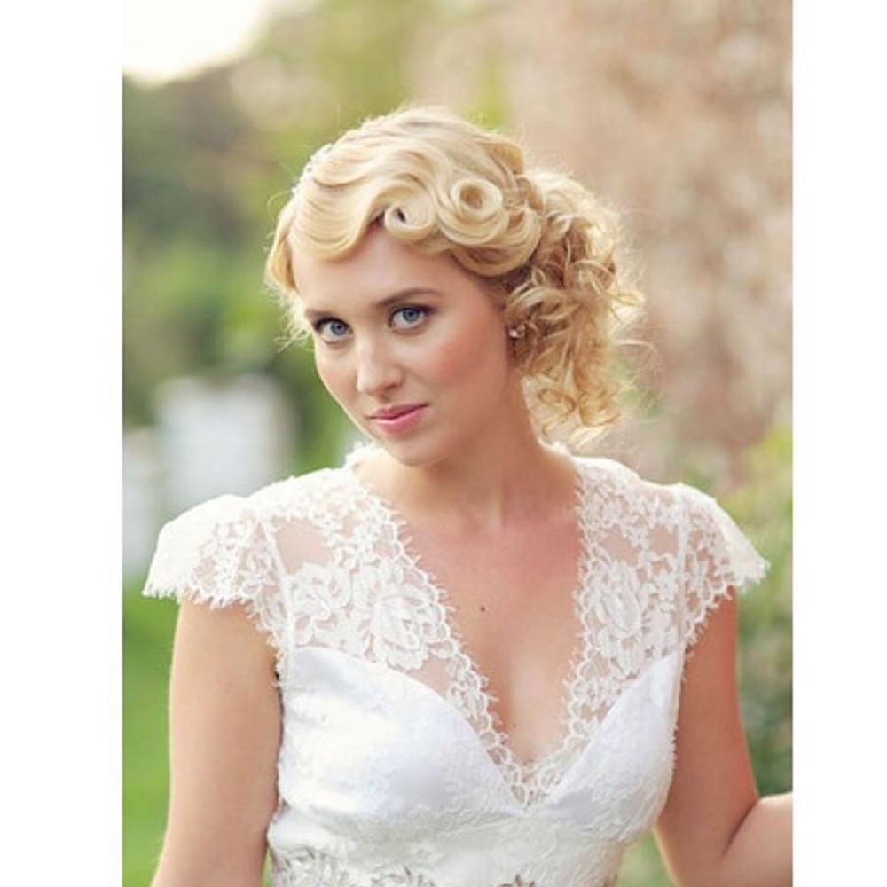 - Make Me Bridal Artist: Farida Ghwedar.