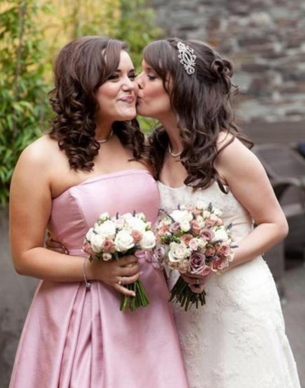 Makeup for bride Jayde and bridesmaid Jazmine ❤️❤️ - Make Me Bridal Artist: Chloe Dixon. #classic #bridalmakeup #pretty