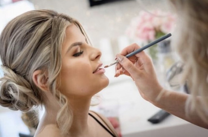 Beautiful bridesmaid glam in action. Shot by an incredible photographer I would highly recommend. - Make Me Bridal Artist: Natasha Jane makeup . Photography by: Sharron trees . #weddingmorning #goldeyeshadow #glow #makeup #bridesmaidhairandmakeup #bridesmaidmakeup #bridalmua #natashajanemakeup