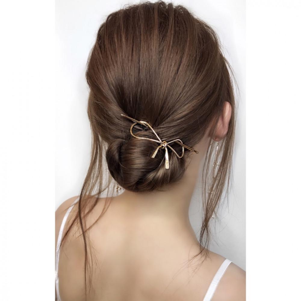 - Make Me Bridal Artist: Oksana Williams Hair&Makeup Artist . #twistedupdo #sleekbun #lowbun #twistedbun