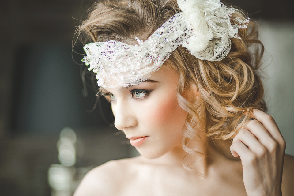 Stunning classic soft, flawless make up - Make Me Bridal Artist: Emma Brooks Make-up. Photography by: Anna Marie Cooper. #classic #boho #bridalmakeup