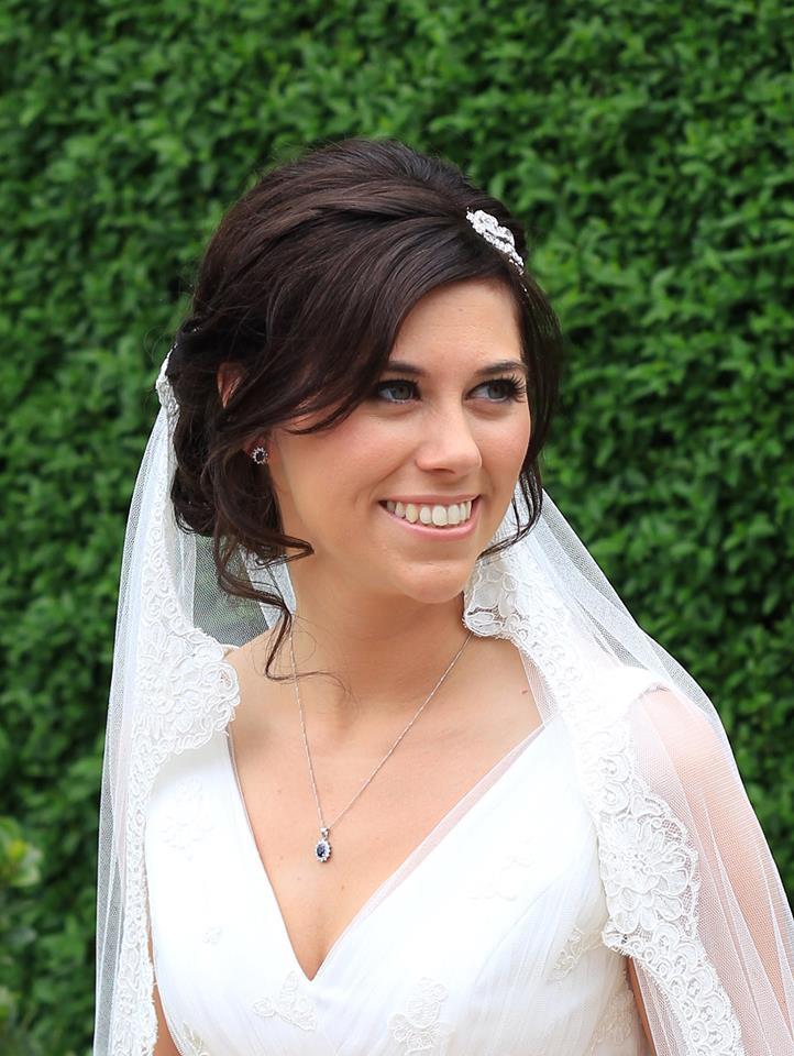 Flawless bridal make up with a vintage twist - Make Me Bridal Artist: Emma Brooks Make-up. #classic #vintage #weddingmorning #bridalmakeup