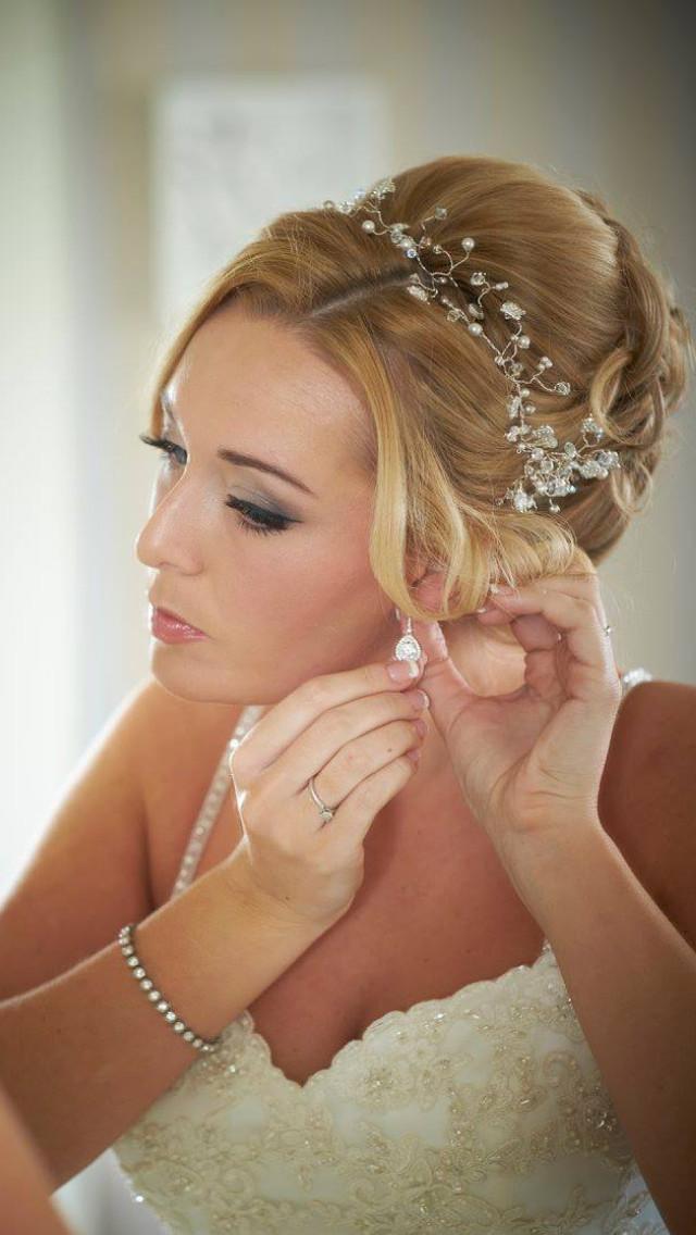 The Fennes Estate wedding venue. Soft greys and fresh natural skin - Make Me Bridal Artist: Emma Brooks Make-up. #classic #naturalmakeup #bridalmakeup #elegant #pretty #lashextensions #freshfaced #perfectmakeup #beauty #bridalmakeupartist #bride