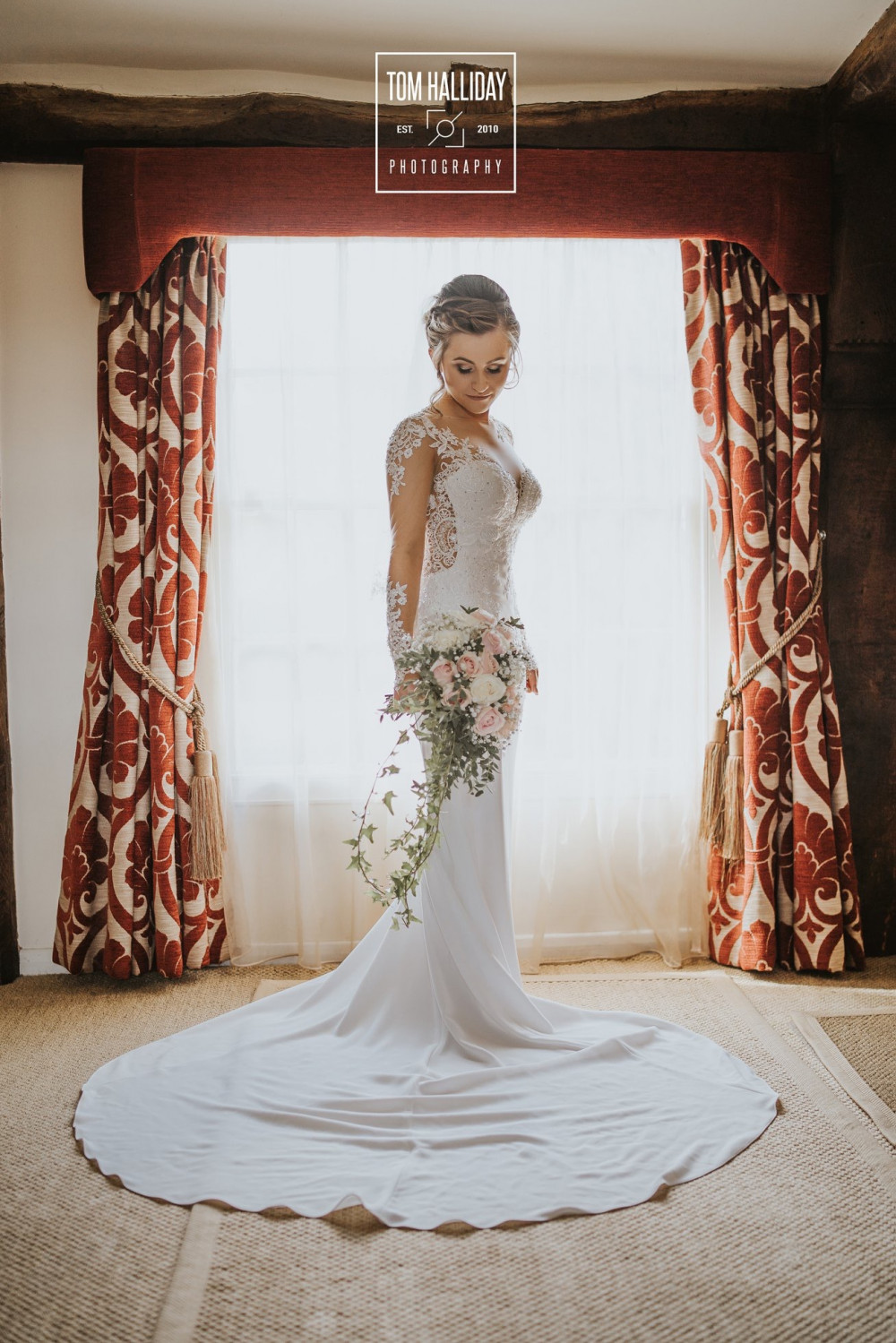 - Make Me Bridal Artist: Leanne Perilly Make-up Artist. Photography by: Tom Halliday. #weddingmakeup #beautifulbridalmakeup #weddingmakeupartistessex #bridalmakeupartistessex #essexmakeupartist