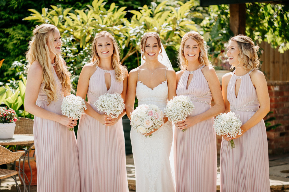 Danielle and her bridesmaids at High house Althorne - Make Me Bridal Artist: Leanne Perilly Make-up Artist. Photography by: Pure image. #classic #naturalmakeup #bridesmaidmakeup #bridalmakeupartist #bride #bridalparty #naturalweddingmakeup #forthenaturalbride