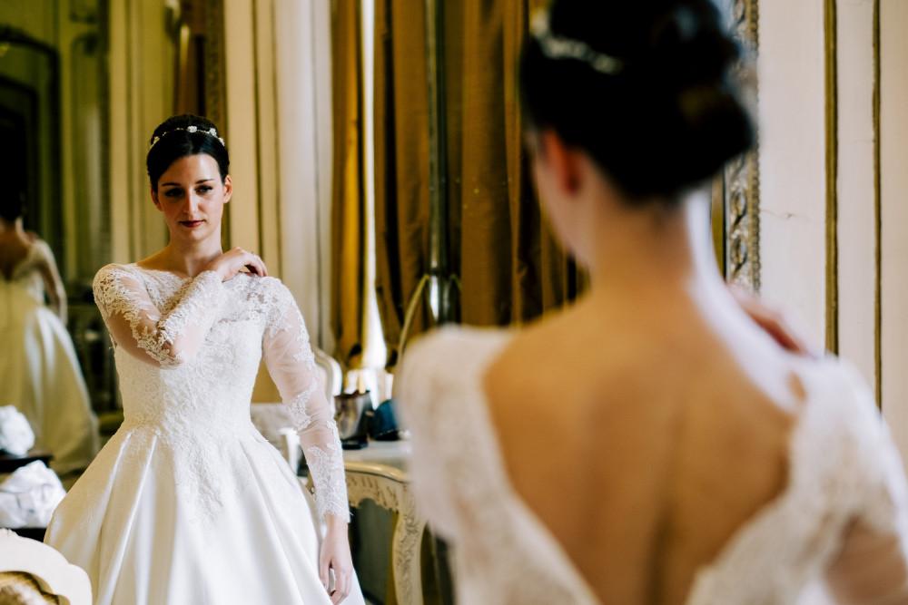 Sarah's Wedding - Make Me Bridal Artist: Olta Citozi Hair and Makeup . #naturalmakeup #airbrushedmakeup #bridalmakeupartist #classicbride #castlewedding #katemiddeltoninspo