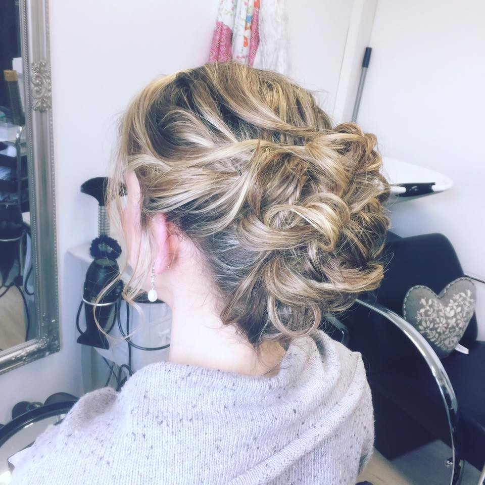 If you've got curls naturally use them, if you haven't I can create them. - Make Me Bridal Artist: Hair by Louise Rhodes. #curls #relaxedupdo #brideshair #halfuphair #weddingtrial