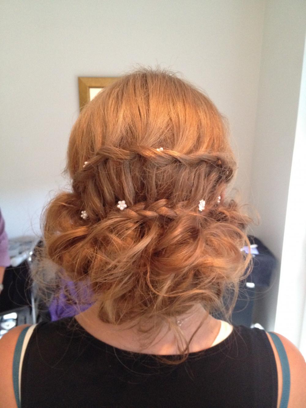 - Make Me Bridal Artist: Vivienne Oscar Freelance Hairstylist .