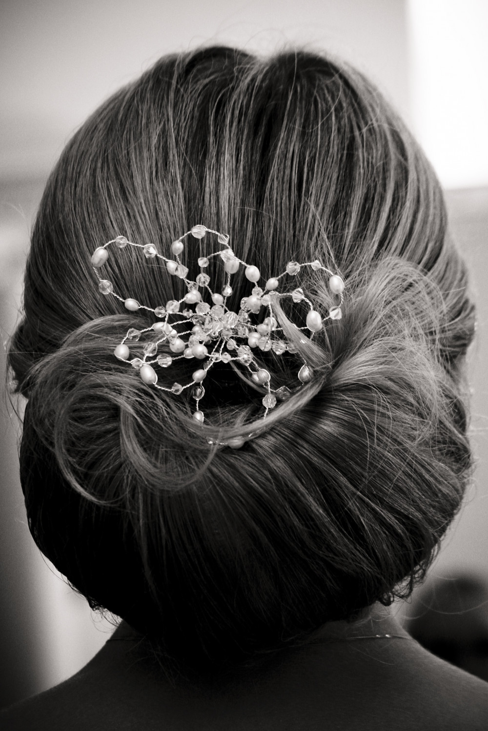- Make Me Bridal Artist: Vivienne Oscar Freelance Hairstylist .
