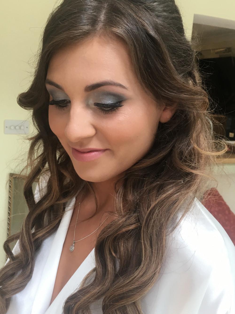 - Make Me Bridal Artist: SB Makeup.