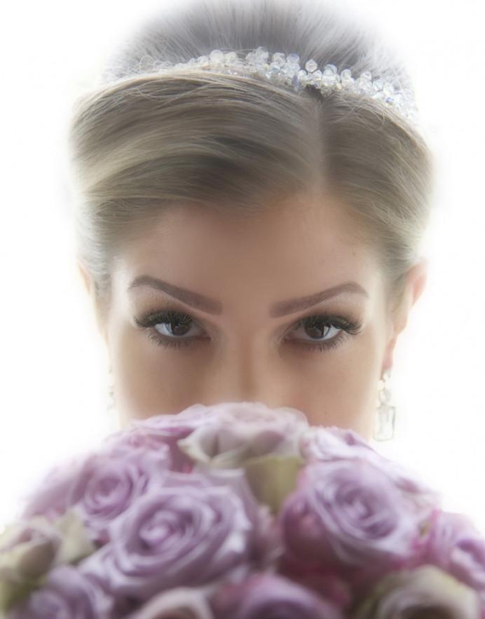 Smokey eye - Make Me Bridal Artist: Tania Claire Makeup Artist. Photography by: Anthony Gould-Davies. #glamorous #weddingmorning #bridalmakeup