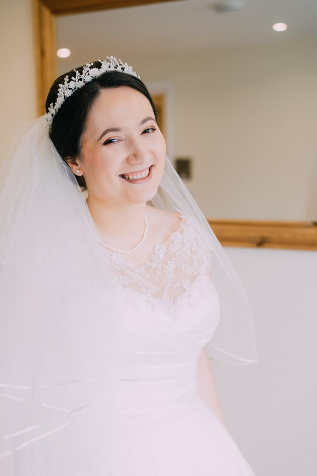 This gorgeous Bride wanted a soft natural look to her makeup and was going for a Regal look - I think she looks like Snow White ! Gorgeous soft smokey eyes using Makeup Geek eyeshadows. - Make Me Bridal Artist: Tania Claire Makeup Artist. Photography by: Claudia. #bridalmakeup #bridalmakeupartist #beautifulbridalmakeup #surreymakeupartist