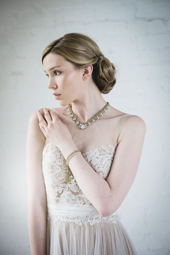 Elegant Bridal Makeup with a touch of vintage glamour - Make Me Bridal Artist: Make Up By Jenni. Photography by: Helen Roscoe. #bridalmakeup #weddingmakeup