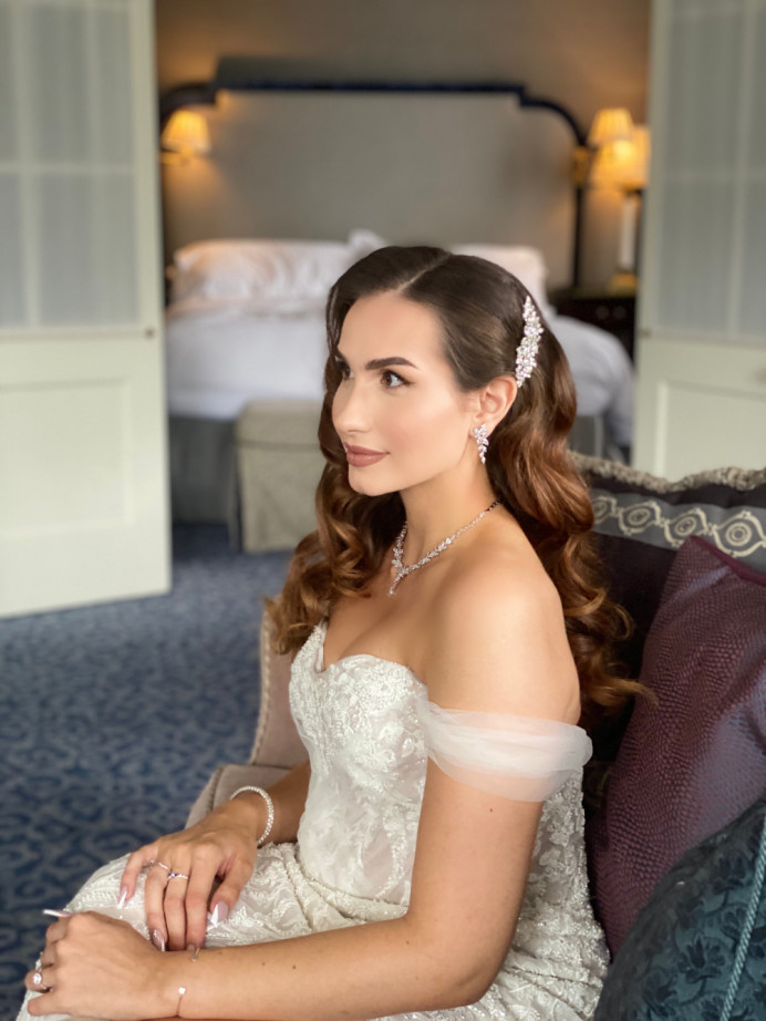 Beautiful client had long thick hair and we achieved these beautiful waves . - Make Me Bridal Artist: RLM wedding makeup. Photography by: Me. #hollywoodwaves