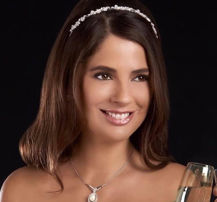 - Make Me Bridal Artist: RLM wedding makeup.