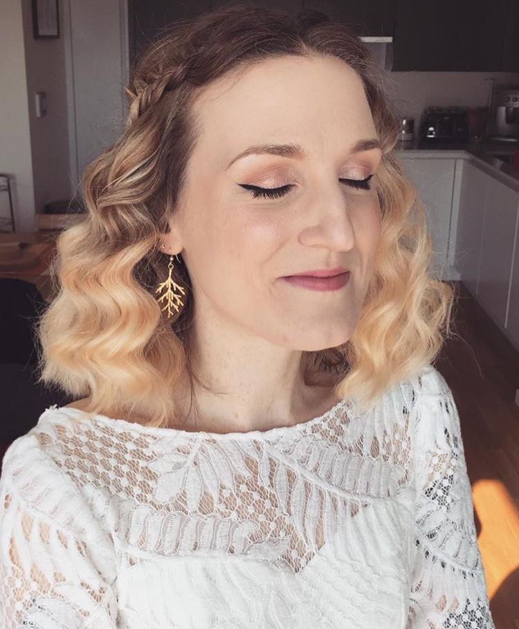 - Make Me Bridal Artist: Poppy Tallulah Hair & Makeup. #vintage #wavyhair #glamourous #smoothwaves #vintagemakeup #vintagehair #smoothcurls #vintageglamour