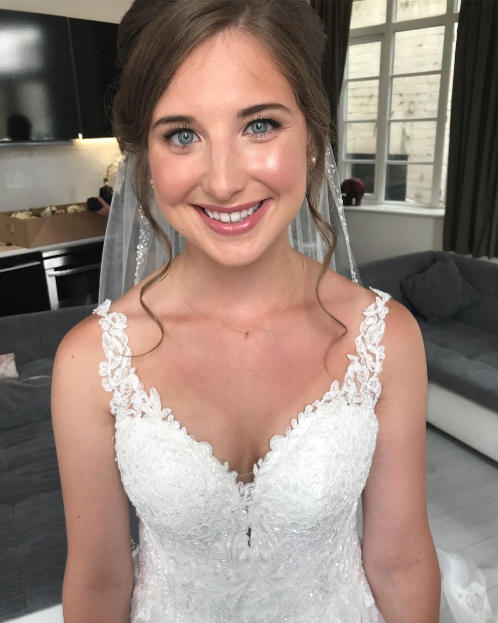 - Make Me Bridal Artist: Hannah Finn Makeup Artist. #classic #glamorous #weddingmakeup
