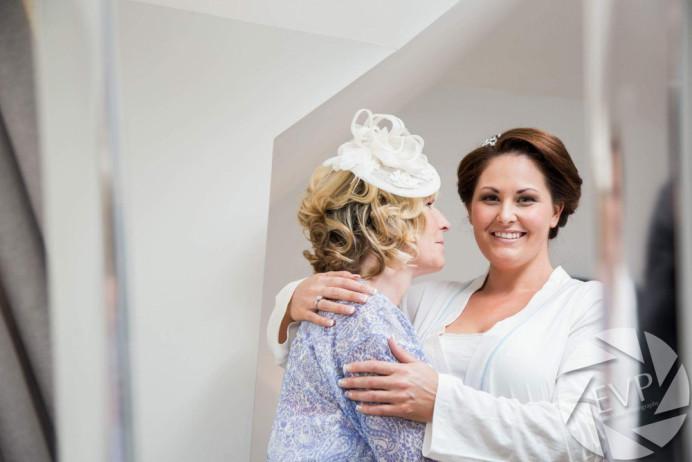 - Make Me Bridal Artist: Nicola Louise Makeup. Photography by: Easy Viee Photography. #classic #naturalmakeup #weddingmorning #gettingready #bridalmakeup