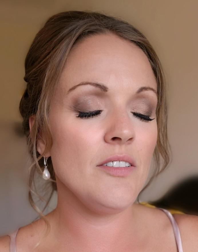 - Make Me Bridal Artist: Nicola Louise Makeup. #classic #glamorous #naturalmakeup #weddingmorning #gettingready #bridesmaid