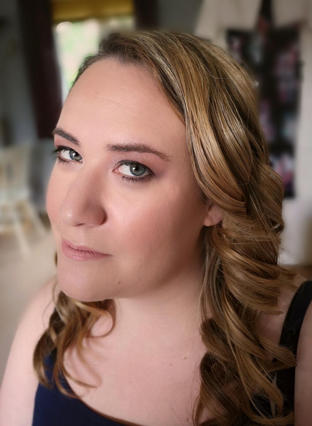 - Make Me Bridal Artist: Nicola Louise Makeup. #classic #glamorous #naturalmakeup #weddingmorning #gettingready