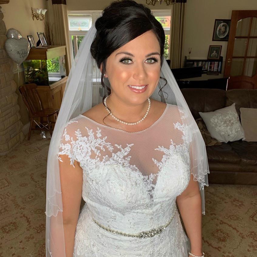 Classic Bridal makeup by Charlotte Mallinder professional makeup artist - Make Me Bridal Artist: Charlotte Mallinder Professional Makeup Artist. #classic #flawlessmakeup #classicmakeup #classicbride