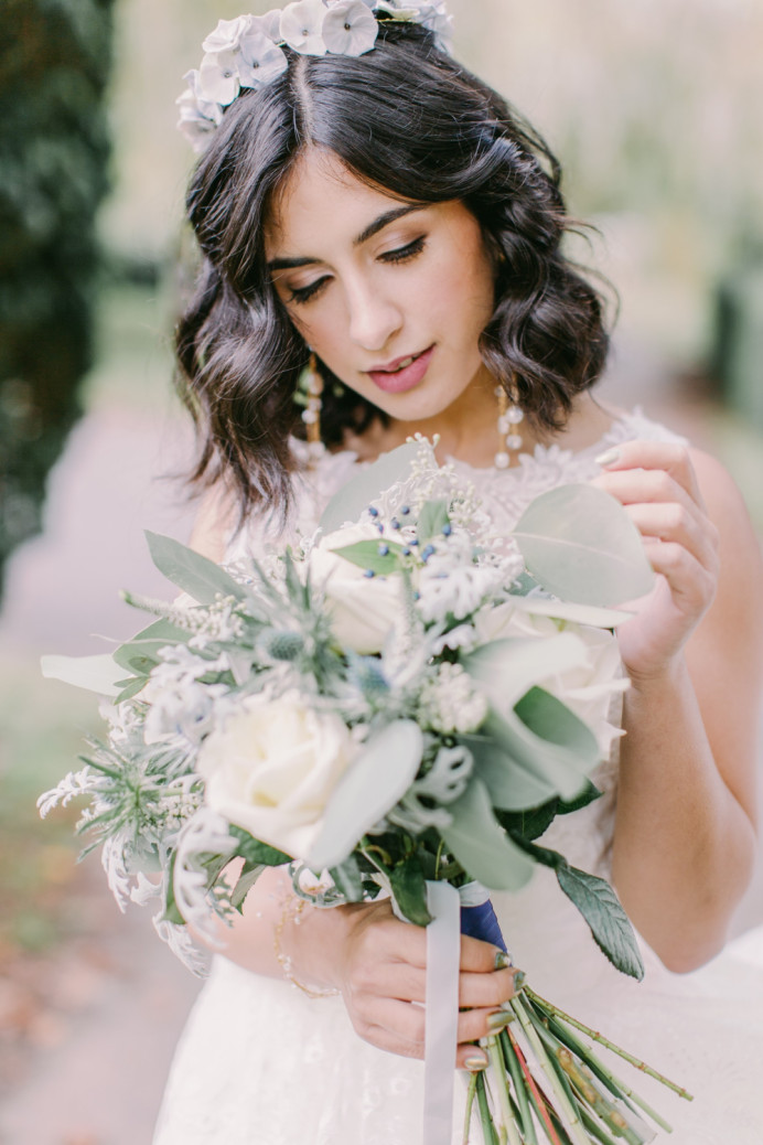 - Make Me Bridal Artist: Vicky Jiggens Makeup Artist. Photography by: Whitney Lloyd. #naturalmakeup #shorthair #softmakeup #modernbride #beachywaves #naturalskin