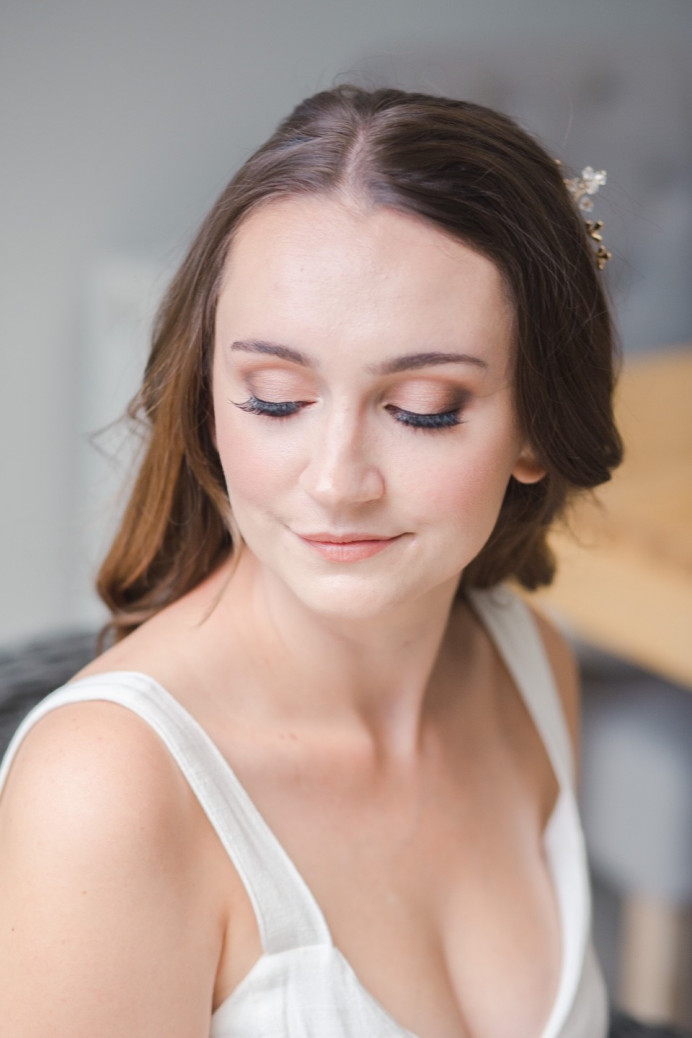 - Make Me Bridal Artist: Vicky Jiggens Makeup Artist. Photography by: Whitney Lloyd. #naturalmakeup #naturalbride #flawlessskin #softglammakeup