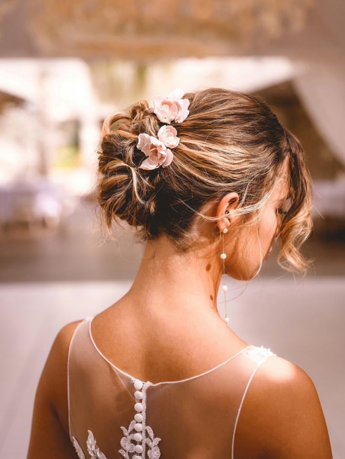 - Make Me Bridal Artist: Vicky Jiggens Makeup Artist. Photography by: Andrew Miles. #flowersinherhair #hairup #softupdo #updo #romanticupdo