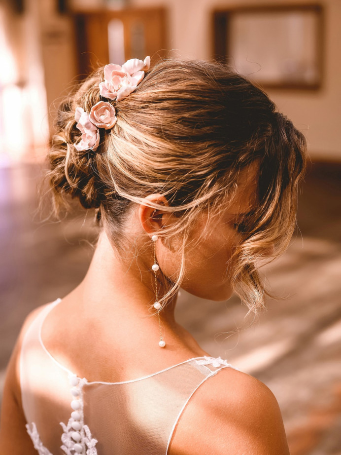 - Make Me Bridal Artist: Vicky Jiggens Makeup Artist. Photography by: Andrew Miles. #bridalhair #hairup #softupdo #undoneupdo #romanticupdo
