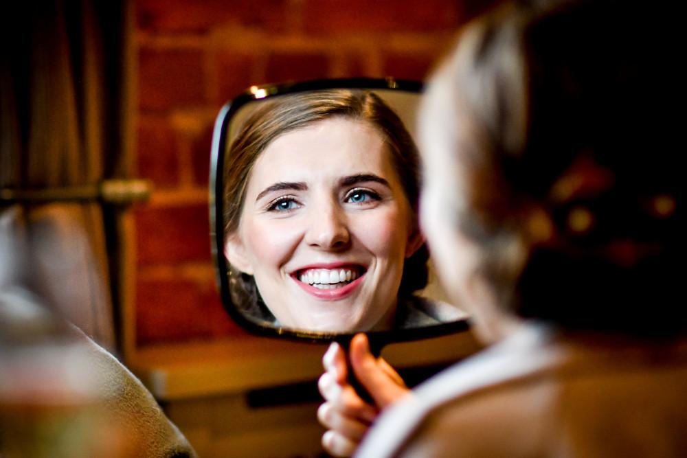 Helen at Curradine Barns - Make Me Bridal Artist: Amy Laney Makeup. Photography by: Still Light Photography. #natural #naturalmakeup #naturalweddingmakeup #forthenaturalbride #naturalbridal