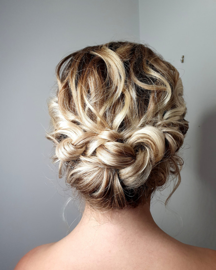 - Make Me Bridal Artist: Hairbyemmac.